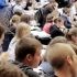 UK - Lowering student numbers 'costs economy billions'